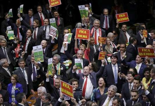 Lors du vote de la Chambre des députés du Brésil sur la procédure de destitution de la présidente Dilma Rousseff, le 17 avril.