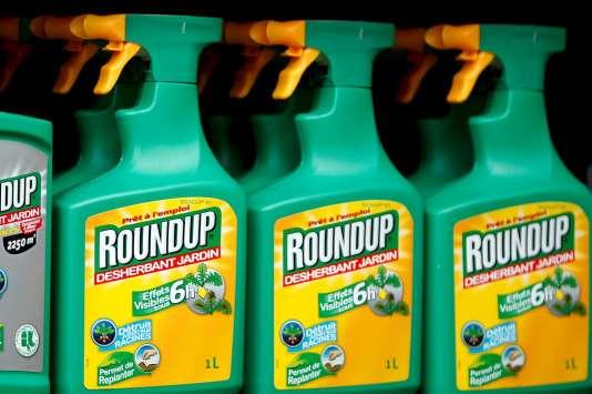 Le célèbre Roundup de Monsanto, l'herbicide le plus populaire à base de glyphosate.