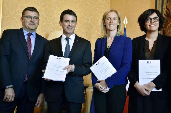 Le premier ministre, Manuel Valls, a salué le rapport du député socialiste Christophe Sirugue.