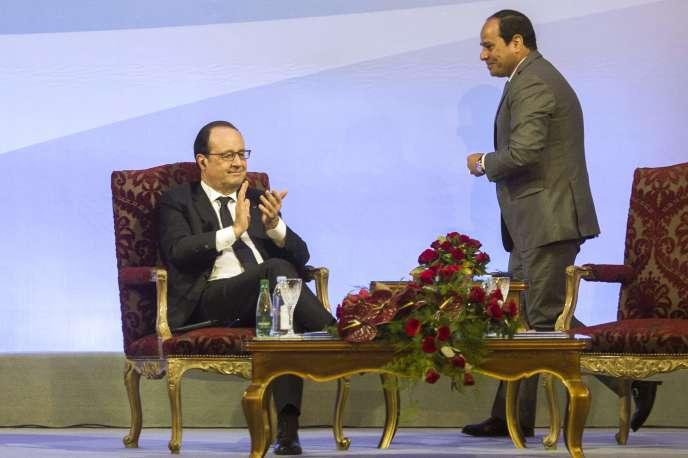 François Hollande et Abdel Fattah Al-Sissi, au Caire, le 18avril.