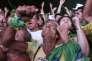 Après le vote des députés, les opposants  à la présidente Dilma Rousseff réunis devant le Congrès à Brasilia, dimanche 17avril, laissent éclater leur joie.