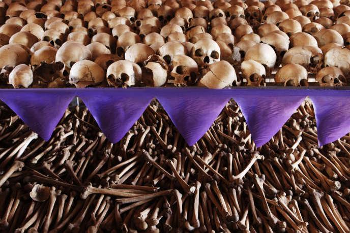 Mémorial du génocide des Tutsi dans l'église de Ntarama, en périphérie de Kigali, la capitale rwandaise, en 2010.