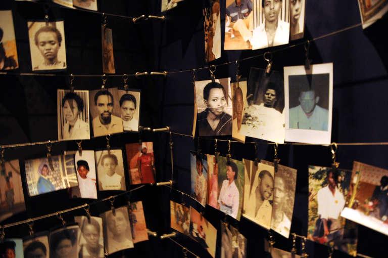 Photos de victimes du génocide des Tutsi, au Rwanda, en 1994 au Mémorial de Kigali.