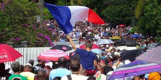 Une marche pour dénoncer l'insécurité à Mayotte, le 19 avril 2016.