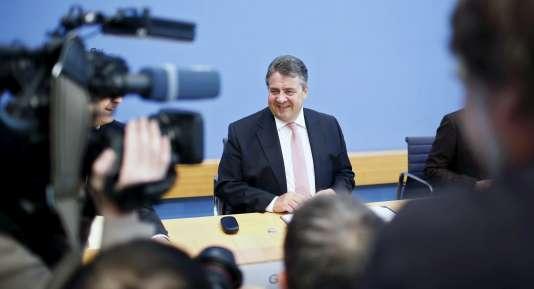 Le ministre de l'économie allemand, Sigmar Gabriel, annonce une prévision de croissance de 1,7 % en 2016.
