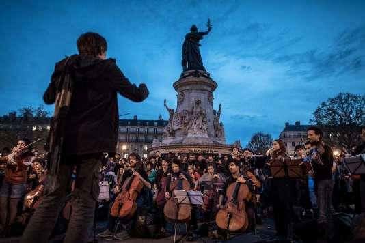"""L'orchestre amateur a repris l'air de la """"Symphonie du Nouveau Monde"""" de Dvorak."""