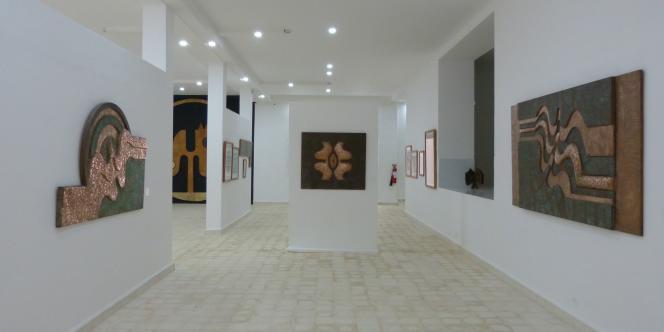 Vue d'une salle d'exposition du musée Farid-Belkahia, inauguré à Marrakech, au Maroc, le 16 avril.