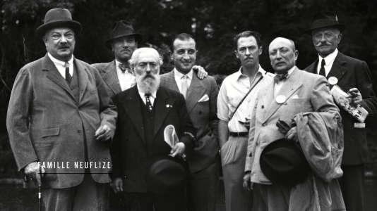 Le documentaire retrace l'itinéraire des protestants de France.
