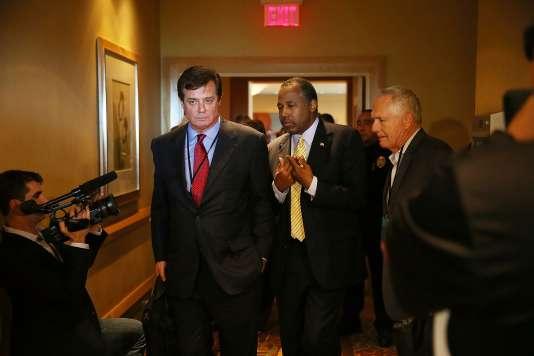 Paul Manafort accompagné de Rick Wiley (directeur politique national de Donald Trump) et de Ben Carson, candidat malheureux à l'investiture qui s'est rallié au magnat de l'immobilier ont joué la carte de l'unité.