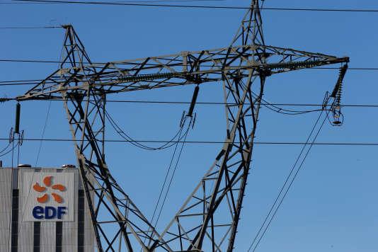 L'Etat actionnaire d'EDF injectera 3milliards d'euros dans la compagnie électrique à l'occasion d'une prochaine augmentation de capital. La décision a été prise lors du conseil d'administration d'EDF qui s'est tenu vendredi 22 avril après-midi.