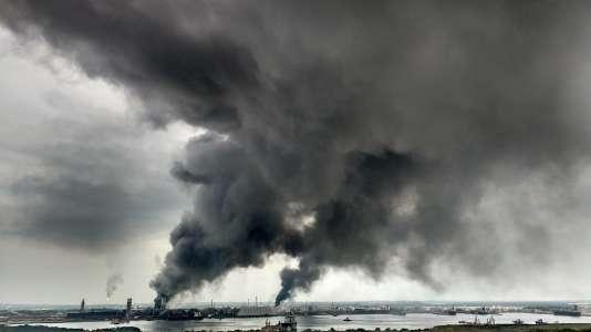 Une explosion a provoqué un dégagement de fumées chimiques, le 20avril au Mexique.