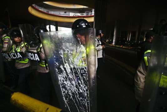 Manifestation de l'opposition à Caracas, le 21 avril.