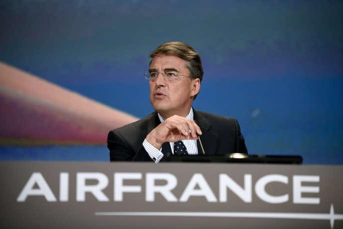Face aux difficultés d'Air France, et la grogne des pilotes, Alexandre de Juniac, PDG d'Air France-KLM, a préféré jeter l'éponge.