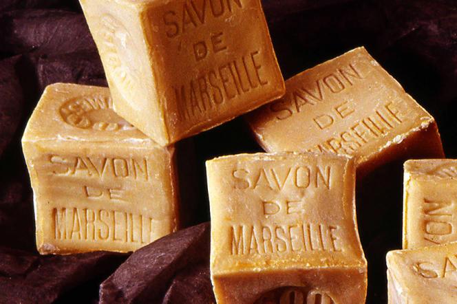 Gros pains de savon de Marseille