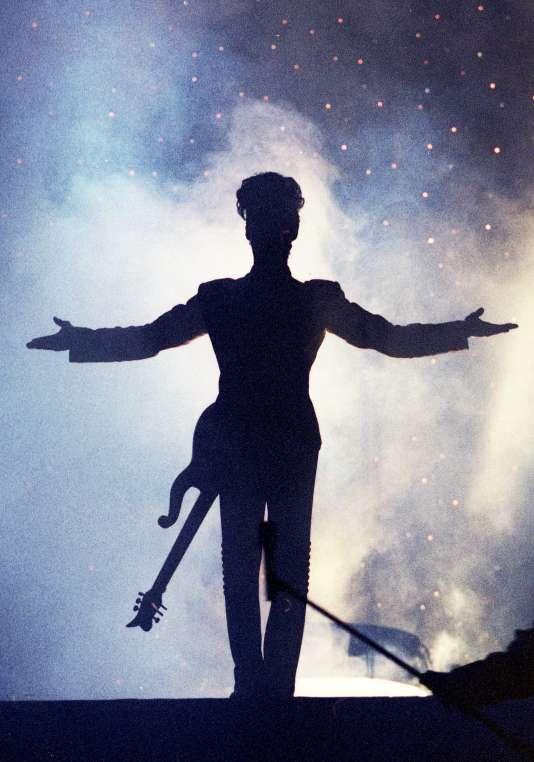 Prince en concert à Londres en 1992.