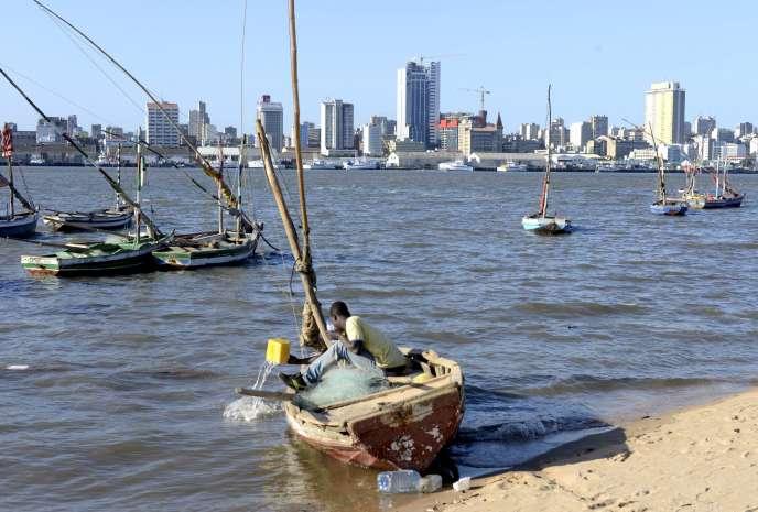 Dans la baie de Maputo, capitale du Mozambique.