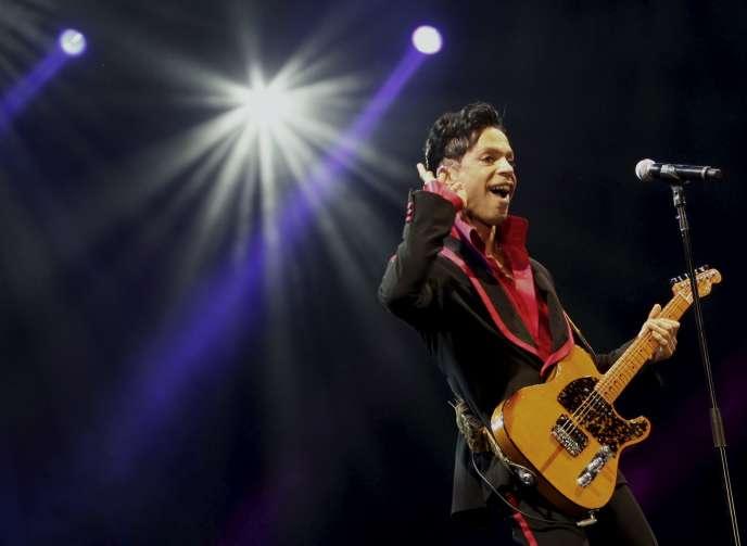 Prince en concert à Abou Dhabi en novembre 2010.