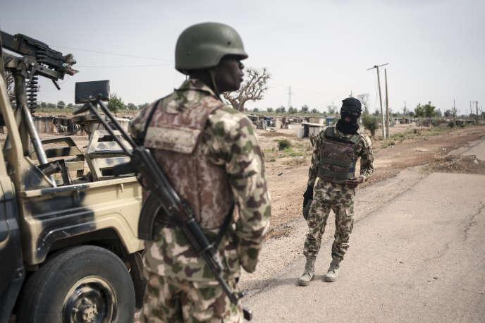Des soldats nigérians, ici dans l'Etat de Borno, dans le nord-est du du pays en mars 2016.