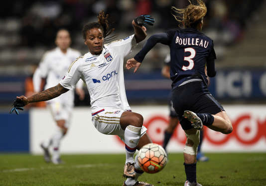 La Parisienne Laure Boulleau face à la Lyonnaise Elodie Thomis le 5 février 2016.
