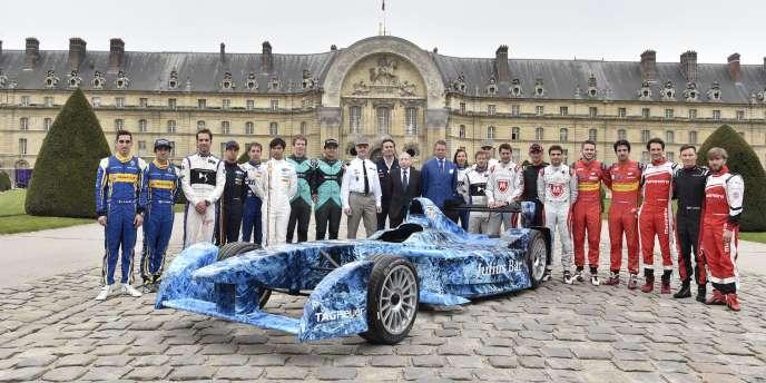 La présentation des voitures à Paris.