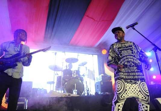 Papa Wemba s'est écroulé en plein concert lors du Femua festival des musiques urbaines d'Anoumabo à Abidjan.