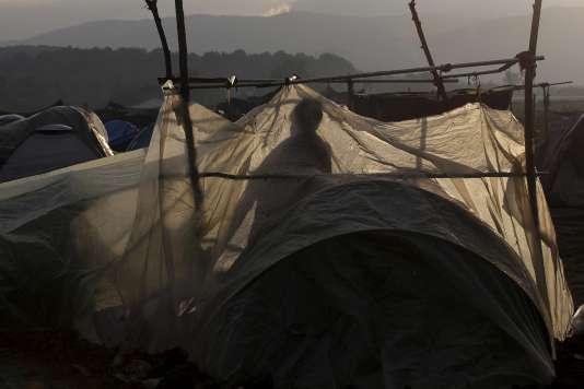 Dans un campement de migrants à Idomeni, sur la frontière entre la Grèce et la Macédoine, le 23 avril 2016.