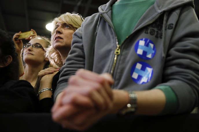 Des militants démocrates lors d'un meeting de Hillary Clinton à Bridgeport (Connecticut).