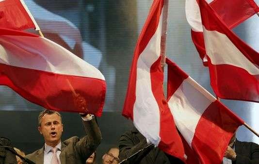 Le candidat à la présidence Norbert Hofer, lors d'un rassemblement à Vienne, le 22 avril.