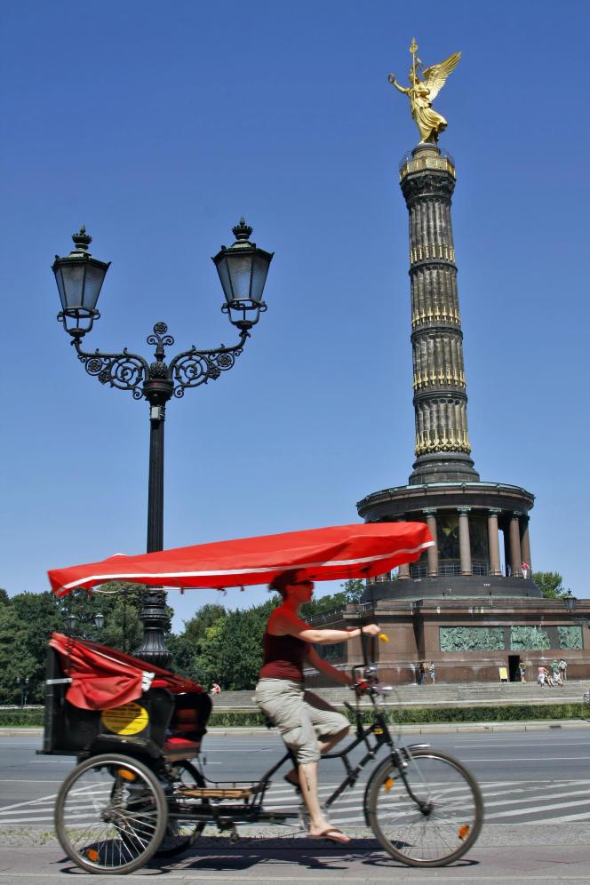 La colonne  de la victoire, située au centre du Tiergarten.