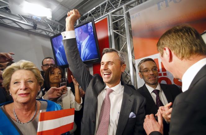 Le candidat de l'extrême droite autrichienne, Norbert Hofer, au quartier général du FPÖ, dimanche 24 avril.