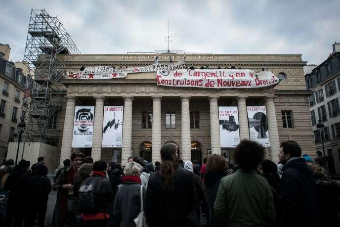 Le Théâtre de l'Odéon à Paris occupé par les intermittents du spectacle