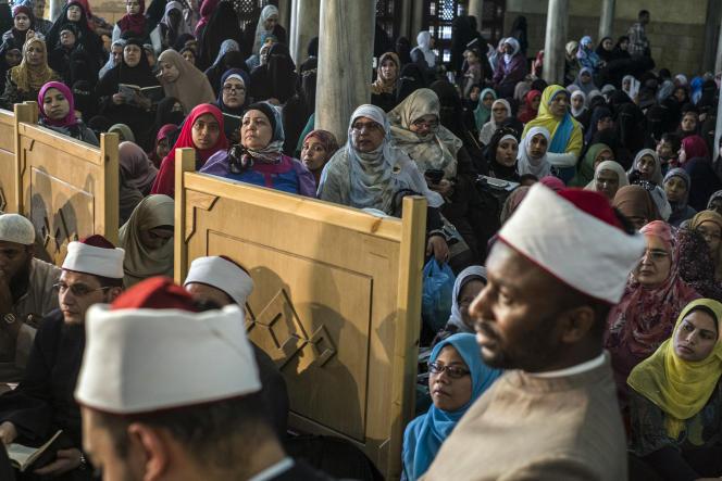 Des musulmans de différentes nationalités se sont réunis à l'université d'Al-Azhar au Caire, en avril 2016.