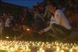 Lundi 25 avril,  à Katmandou des prières pour les victimes du tremblement de terre qui a dévasté le pays, il y a exactement un an.