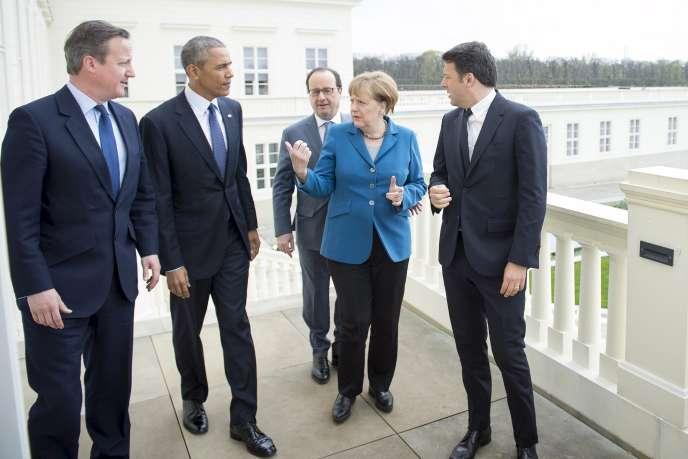 Angela Merkel avec David Cameron, Barack Obama, François Hollande et Matteo Renzi à Hanovre, lundi 25 avril 2016.