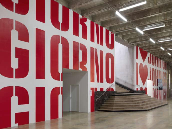 Entrée de l'exposition John Giorno,  qui s'est tenue récemment au Palais de Tokyo, à Paris.