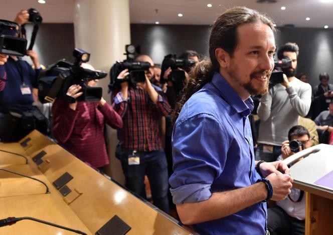 Le leader de Podemos, Pablo Iglesias, au Parlement de Madrid, le 26 avril.