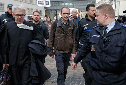 Antoine Deltour, au début du procès du LuxLeaks, à Luxembourg, le 26 avril.