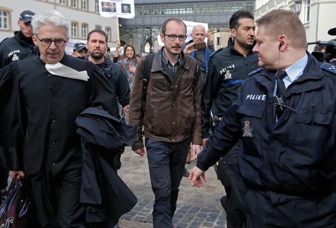 Le lanceur d'alerte Antoine Deltour lors de son procès au Luxembourg, le 26 avril 2016.