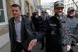 Le journaliste Edouard Perrin (à gauche), le premier jour du procès LuxLeaks à Luxembourg, le 26 avril.