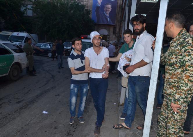 Le 27 avril, avant les raids sur l'hôpital Al-Quds, 16 personnes ont péri dans les bombardements qui ont visé aussi bien les quartiers rebelles que les zones contrôlées par le régime à Alep en Syrie.