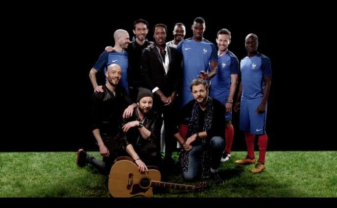 Le groupe Skip the Use avec quelques joueurs de l'équipe de France.