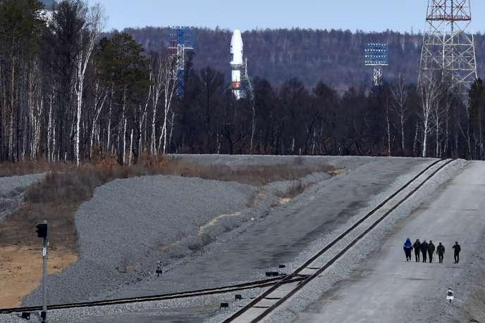 Le lancement du vaisseau russe Soyouz 2.1a devait être le premier effectué depuis le nouveau cosmodrome Vostotchni en Russie, le 27 avril.