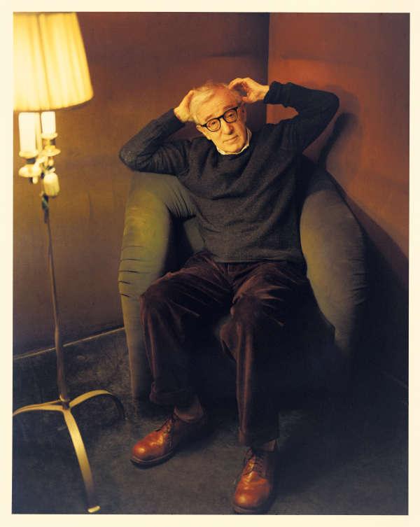 Woody Allen dans son bureau au  Manhattan Film Center, le 19 avril.
