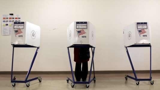 La participation aux primaires de 2016 atteint des sommets, chez les républicains et les démocrates.