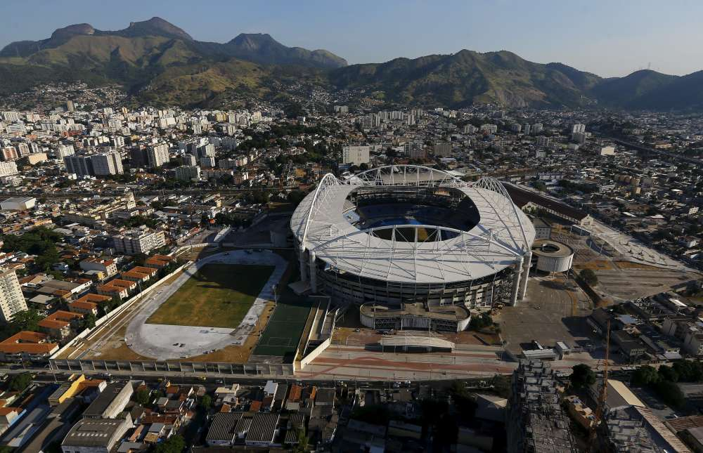 Les stades sont prêts, mais le CIO s'inquiète de la descente aux enfers du Brésil, ébranlé par une gravissime crise politique et économique. Ici le stade olympique João-Havelange, le 25 avril.
