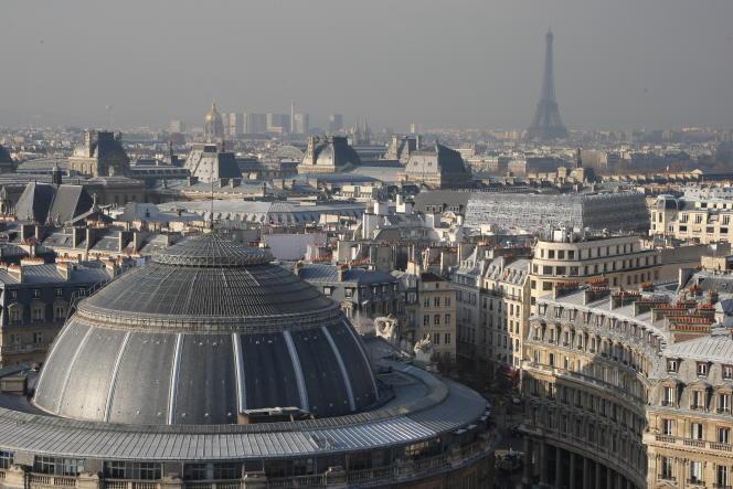La Bourse de commerce, sur le Forum des Halles à Paris.
