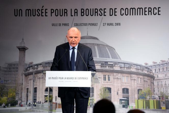 L'homme d'affaires Francois Pinault lors de la conférence de presse sur la création d'un nouveau lieu consacré à l'art contemporain à la Bourse de commerce, à Paris, le 27 avril 2016.