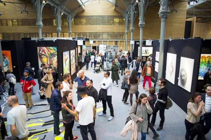 Vue d'ensemble de la première édition d'Urban Art Fair à Paris.