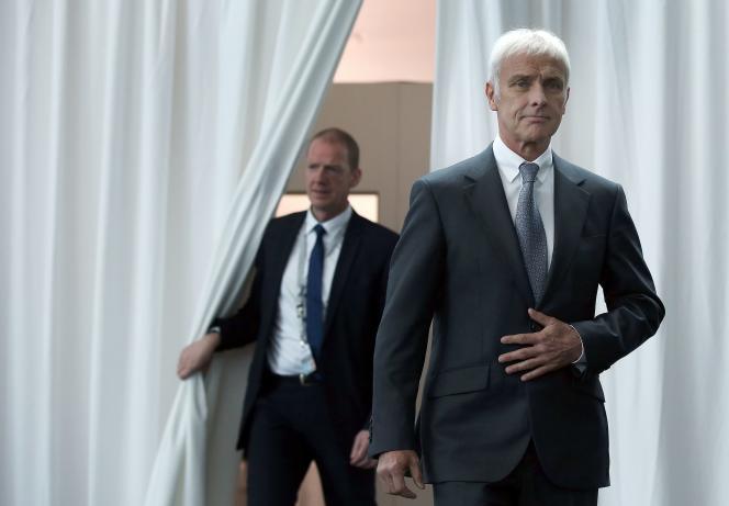 Matthias Mueller, patron du groupe Volkswagen lors de son arrivée à  la conference annuelle du groupe VW  à Wolfsburg le 28 avril.