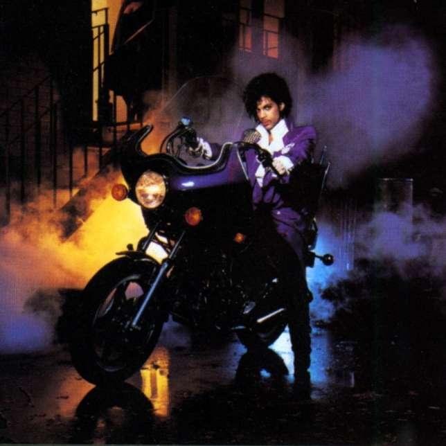 """Autre véhicule fétiche de Prince : la Honda 400 qu'il chevauchait sur l'affiche du film """"Purple Rain""""."""